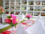 โต๊ะอาหารที่มีการตกแต่งอย่างสวยงามเลยพาเลซ