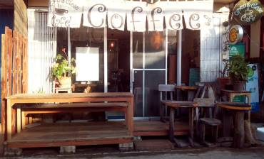 Open & Close Cafe