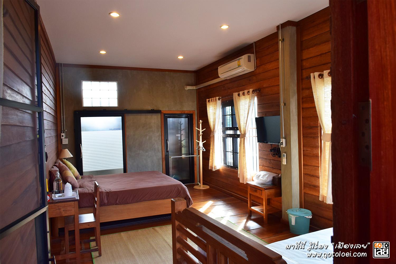 ห้องนอนชั้น 2 บ้านพักกายพักใจ.jpg