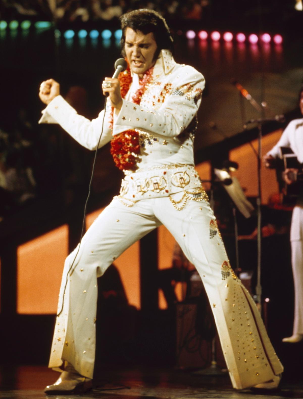เอลวิส เพรสลี่ย์ (Elvis Presley) คนดังที่เคยล้มเหลว