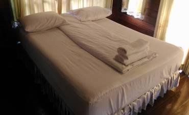 ห้องนอน บ้านกำนันรีสอร์ท
