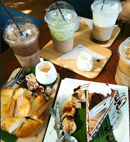 กาแฟและเบเกอรี่ ร้านคาเฟ่ ดี มีนา